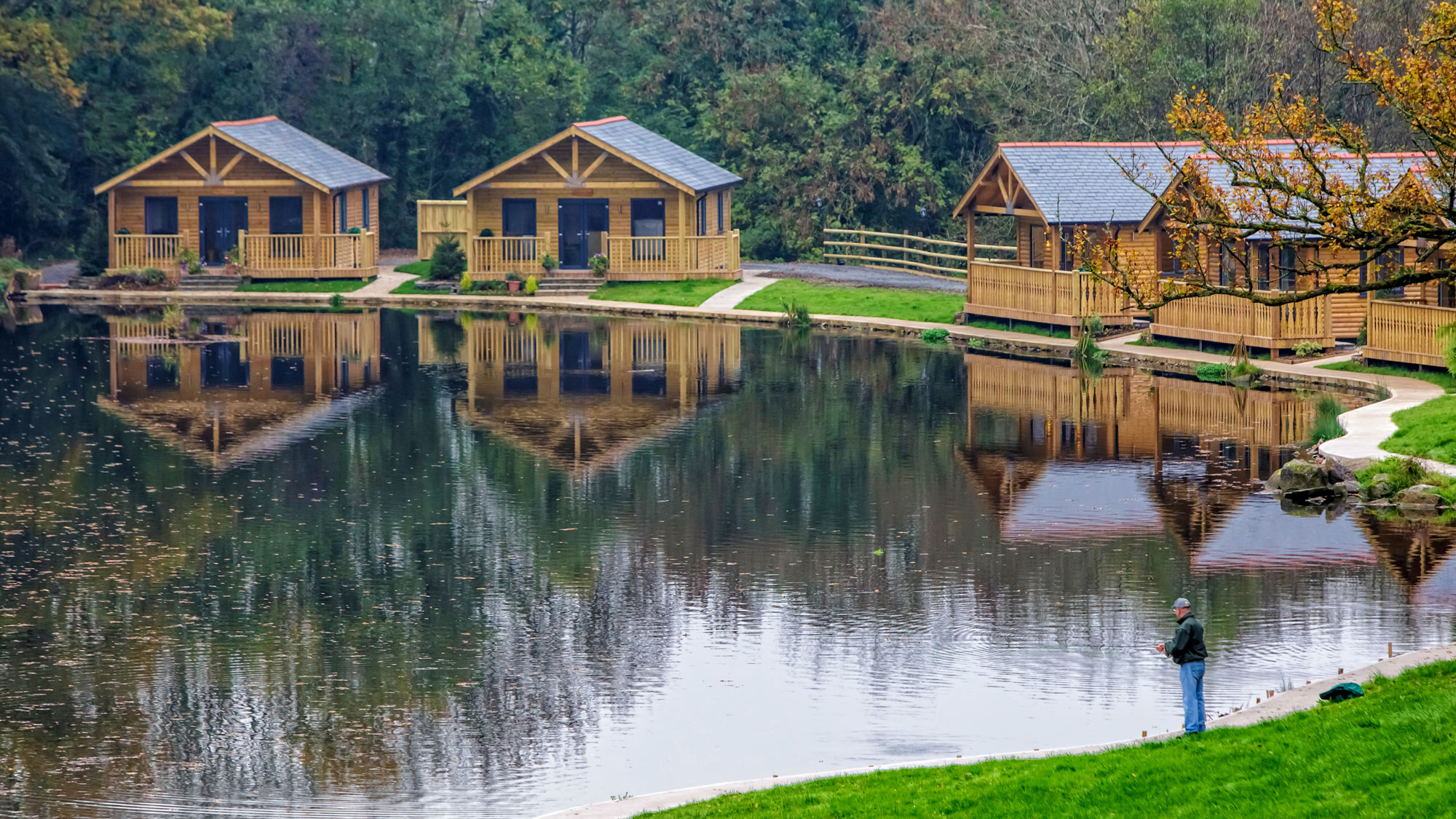 Enjoy An Open Day And Sunday Lunch At Canada Lodge And Lake