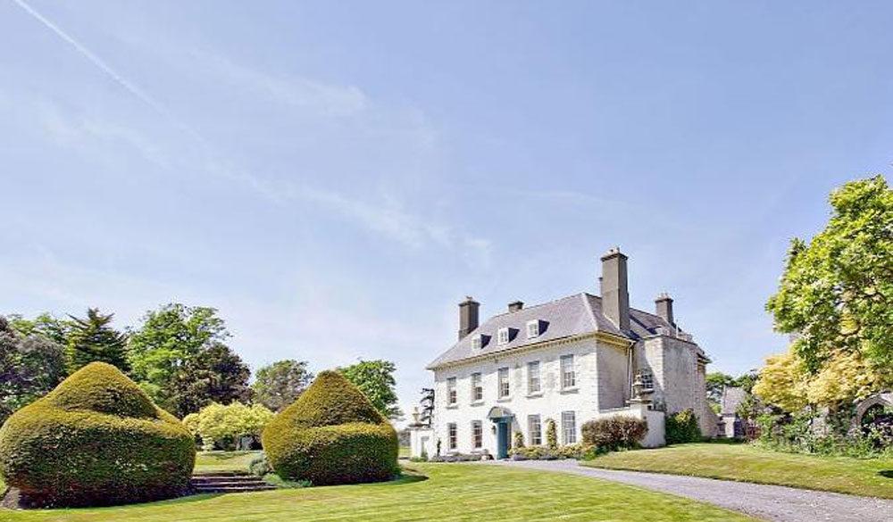 Gileston Manor wedding venue in Barry
