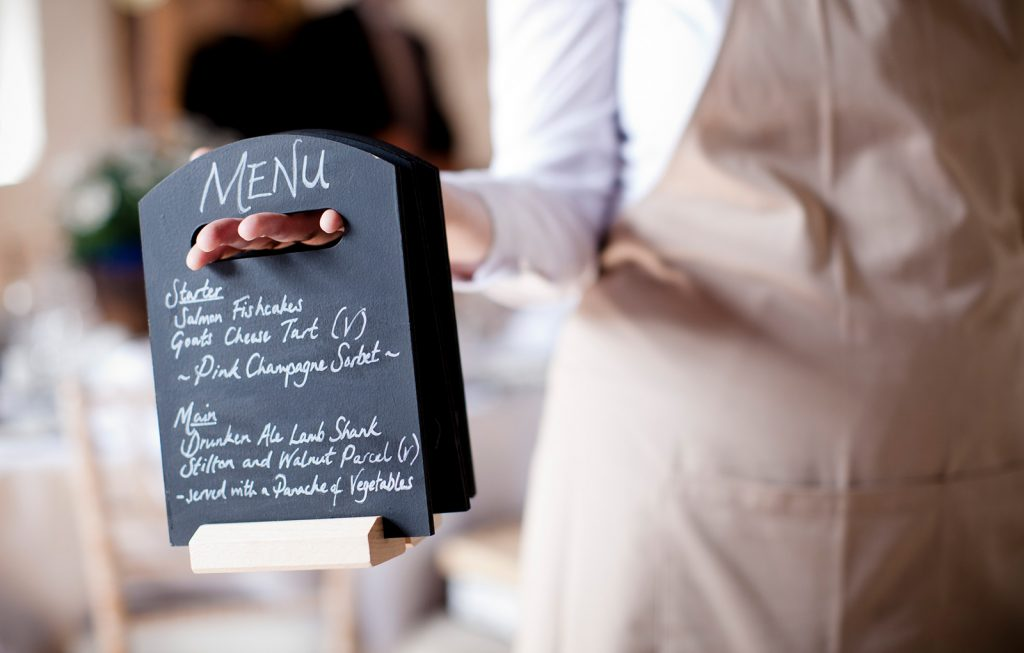 5 different ways to serve food at your wedding - Spiros blog featured image