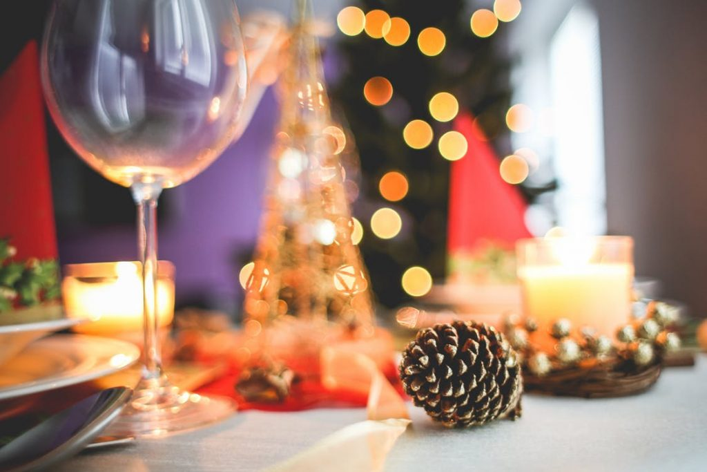 Spiros Christmas party checklist - themed table