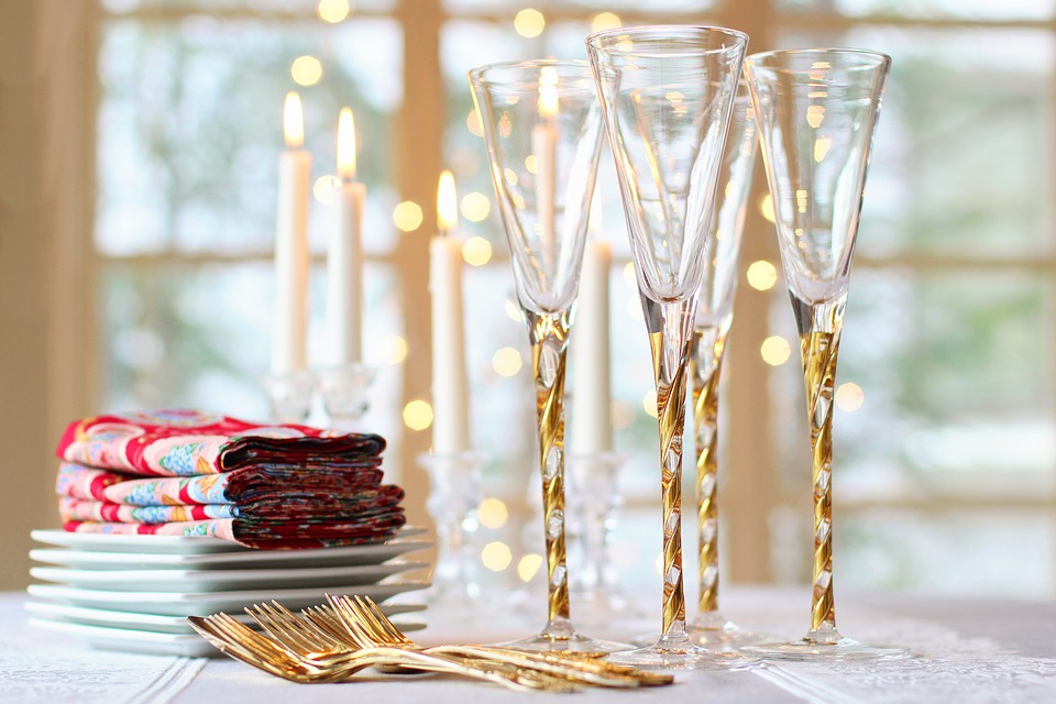 Spiros Christmas party checklist - champagne flutes