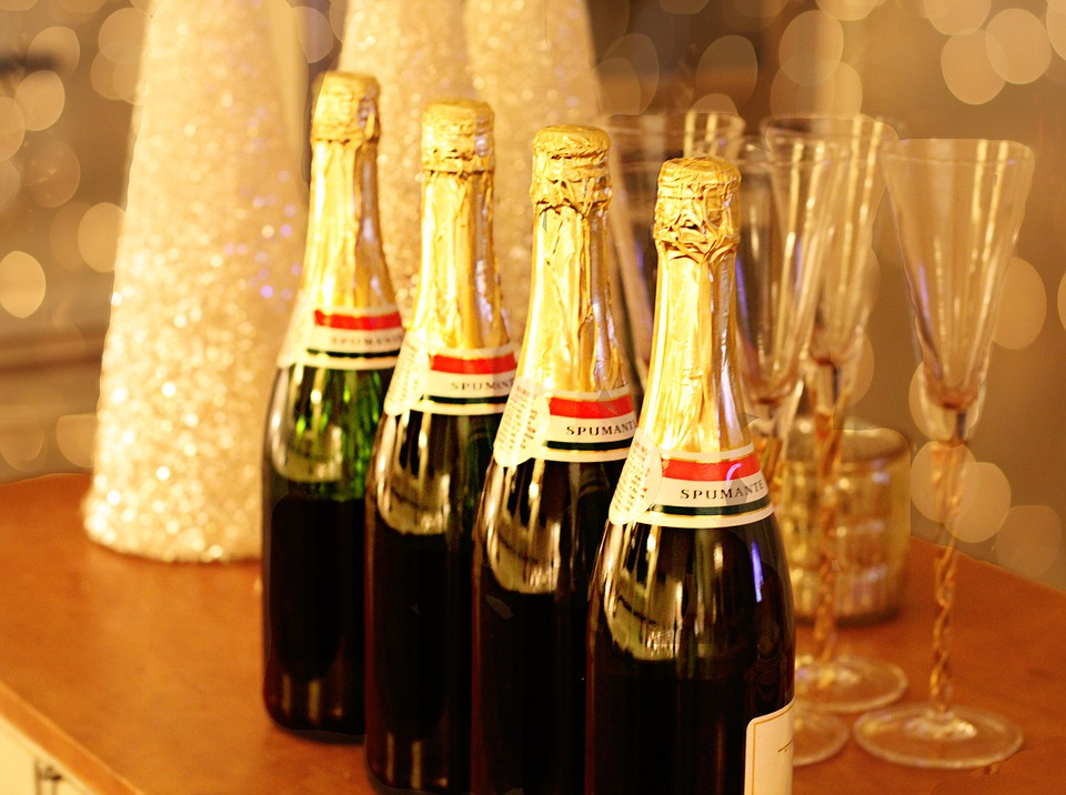 Spiros Christmas party checklist - champagne