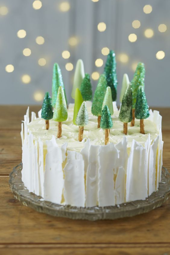 10 tasty alternatives to Christmas pudding - Ice Forest Christmas Cake
