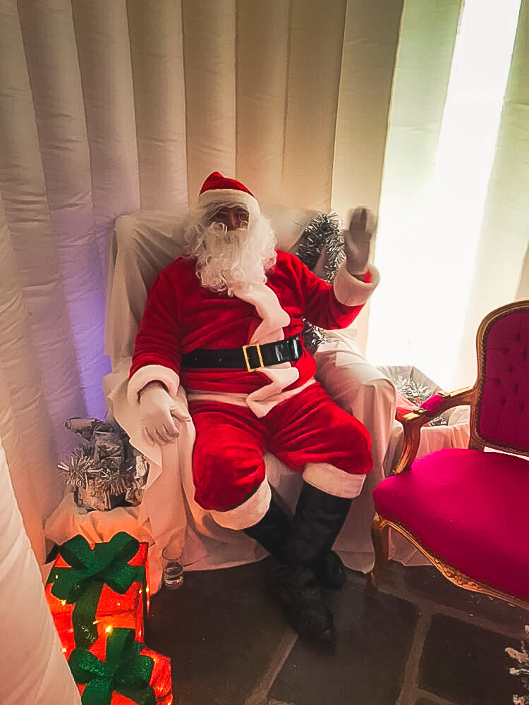 Sunday lunch with Santa at Cottrell Park Christmas 2018