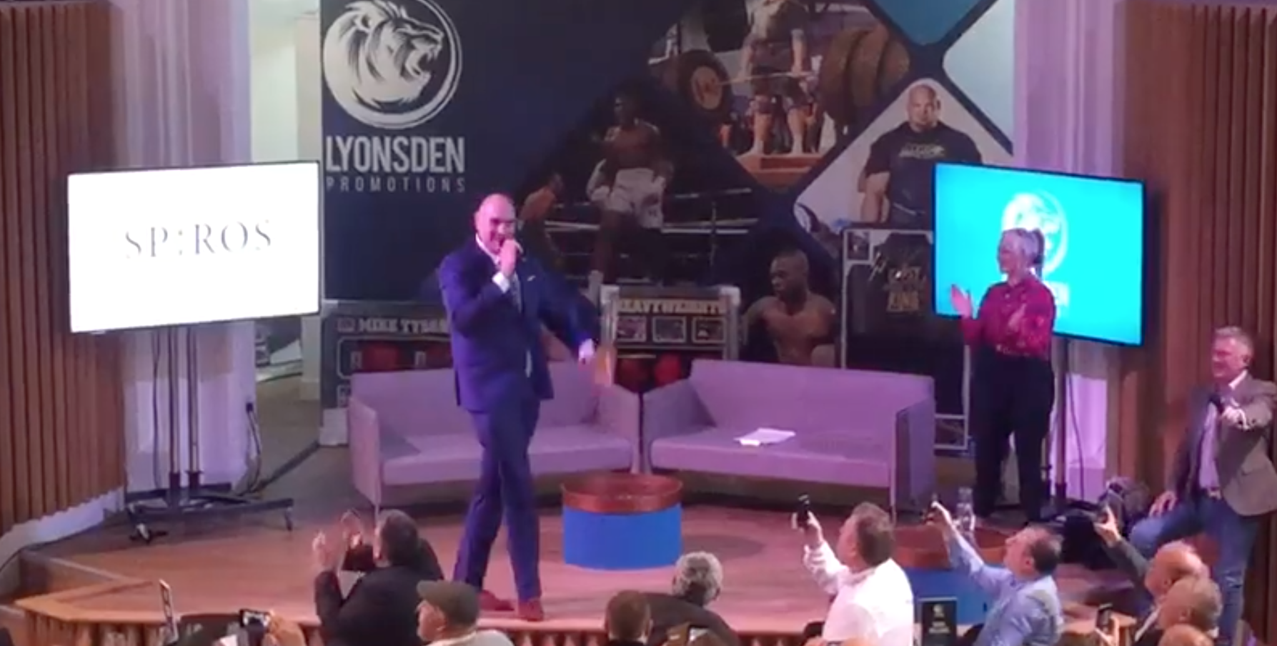 Tyson Fury wows Cornerstone with American Pie [video]